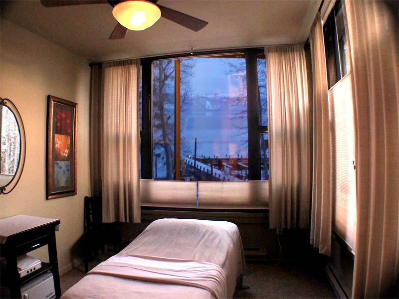 Lakeview Treatment Room at Sunset